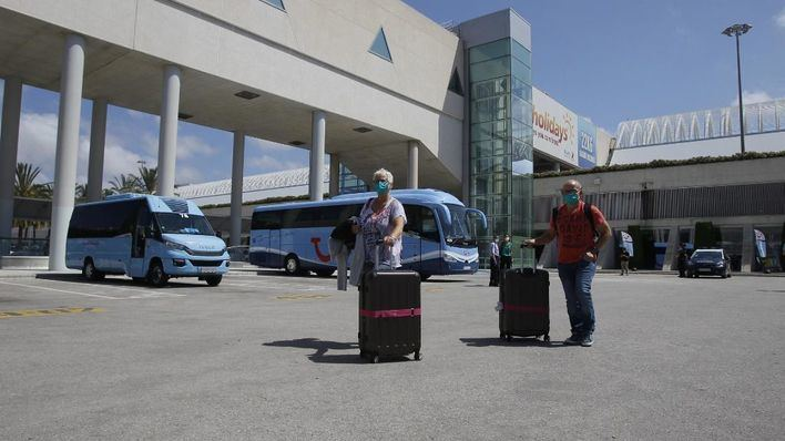 Anuncian una huelga indefinida en el servicio de carros portaequipajes de Son Sant Joan