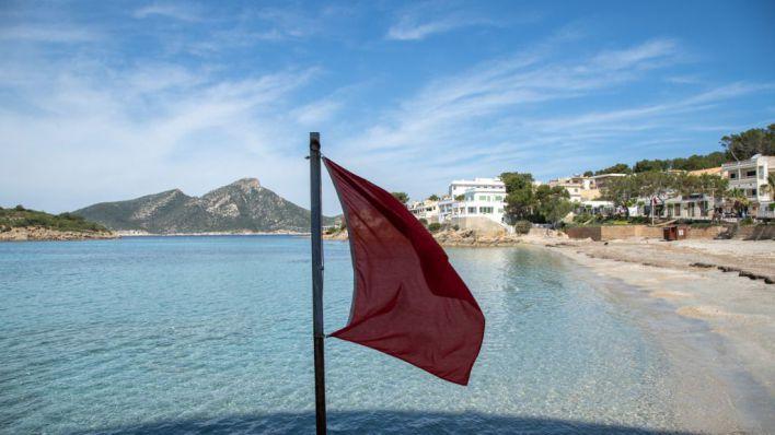Muere un hombre de 61 años tras ahogarse en la playa de Son Serra de Marina