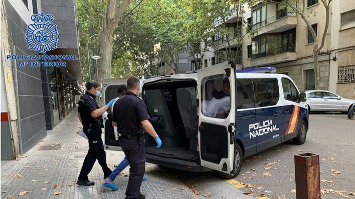 Detenido un agresivo atracador que abordaba con un cuchillo a sus víctimas en Palma