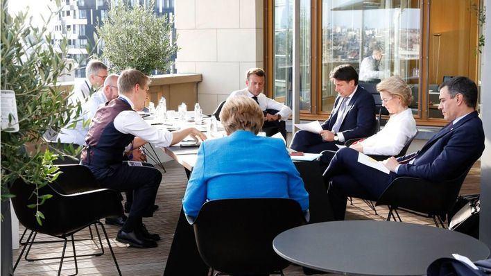 Los países del norte ofrecen reducir el fondo europeo a 700.000 millones, la mitad en transferencias