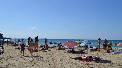 Cierran los accesos a la playa de Cala Major tras superarse el aforo permitido