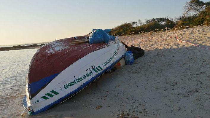 Interceptan dos pateras con 31 inmigrantes en aguas de Cabrera