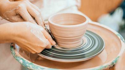 Marratxí anuncia los plazos de inscripción a los cursos de cerámica manual y torno