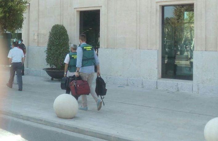 En libertad con cargos los cinco detenidos de la Autoritat Portuària de Baleares