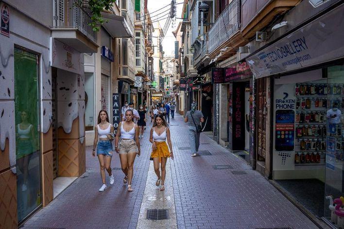 Baleares encabeza en junio la caída de ventas y ocupación en el comercio