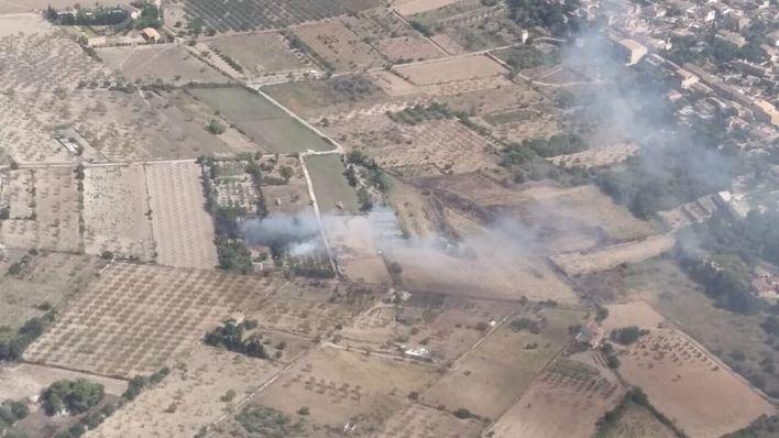 Un nuevo incendio en terrenos agrícolas de sa Cabaneta obliga a actuar a los bomberos