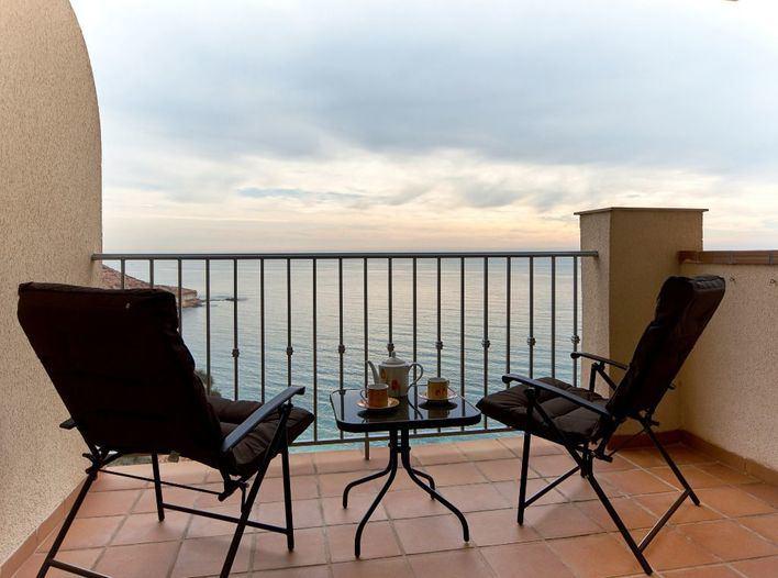 Las pernoctaciones en apartamentos turísticos se hunden un 98'76 por ciento en Baleares