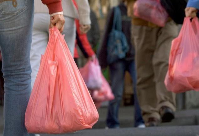 El TC avala la Ley de Residuos de Baleares que prohibirá las bolsas de plástico desechables
