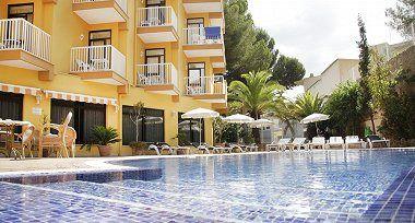 Un total de 10 turistas nacionales, aislados en un hotel en Peguera tras un positivo en Covid-19