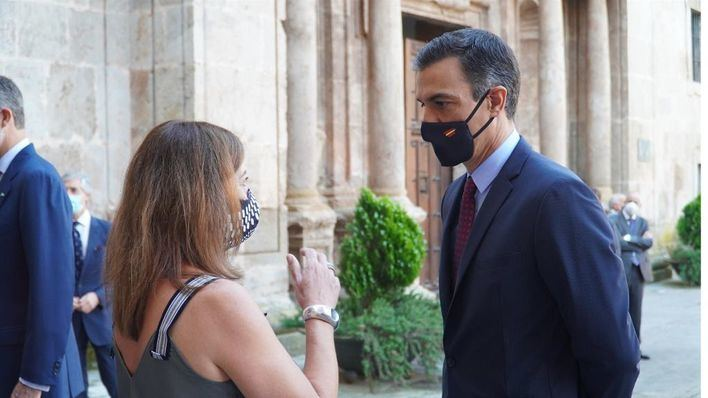 Armengol pide a Sánchez que Baleares pueda realizar pruebas Covid a los pasajeros nacionales