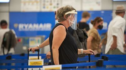 Baleares planea pruebas Covid a los turistas nacionales tras el repunte de contagios