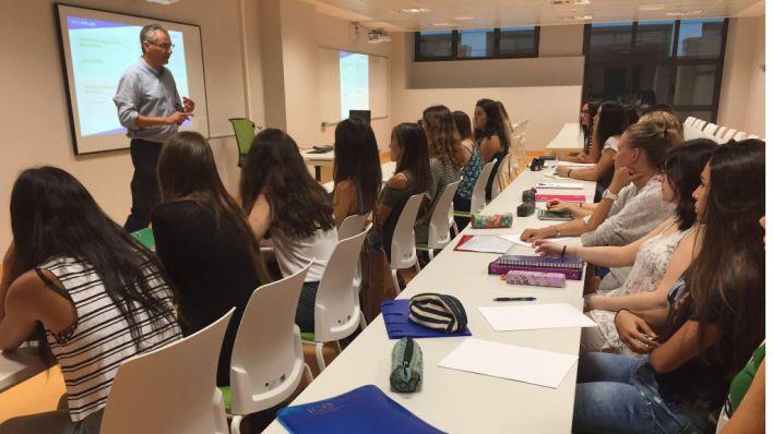 Los estudios sanitarios lideran las notas de corte para la admisión de alumnos en la UIB