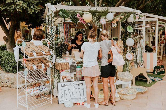 Puerto Portals vuelve a disfrutar de su tradicional Sunset Market