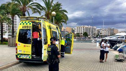 Emergencia en el Puerto de Palma tras picarle una avispa en la lengua a una mujer