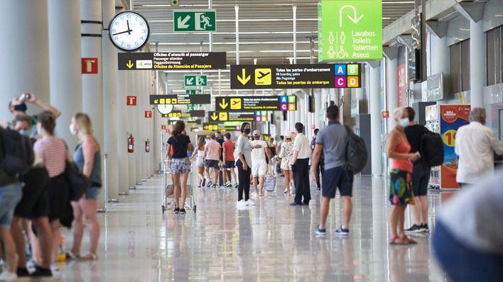 El tráfico aéreo de pasajeros en Europa cae 64,2 por ciento por el coronavirus