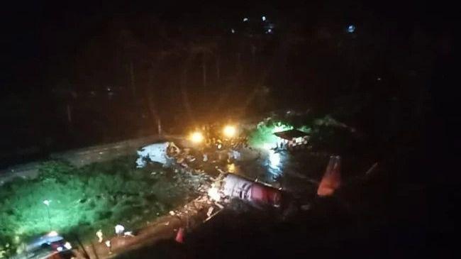 Un avión con 191 personas a bordo se rompe en varias partes al aterrizar en el sur de India