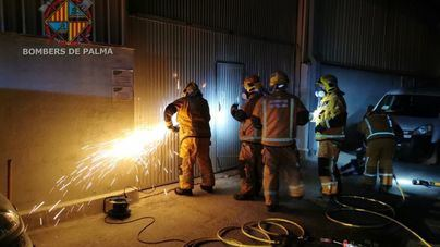 Sofocado un incendio en una nave de Can Valero tras ocho horas de actuación