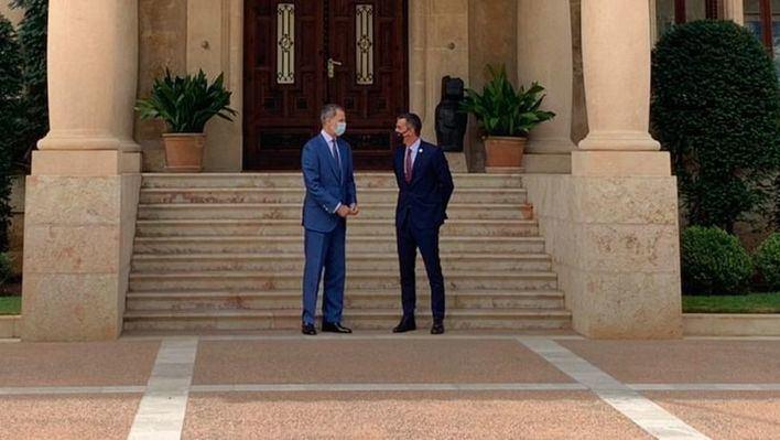 Pedro Sánchez acude a Marivent para despachar con el rey Felipe VI
