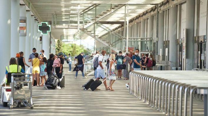 Maroto señala que los rebrotes de coronavirus 'dificultan que el sector turístico se reactive'