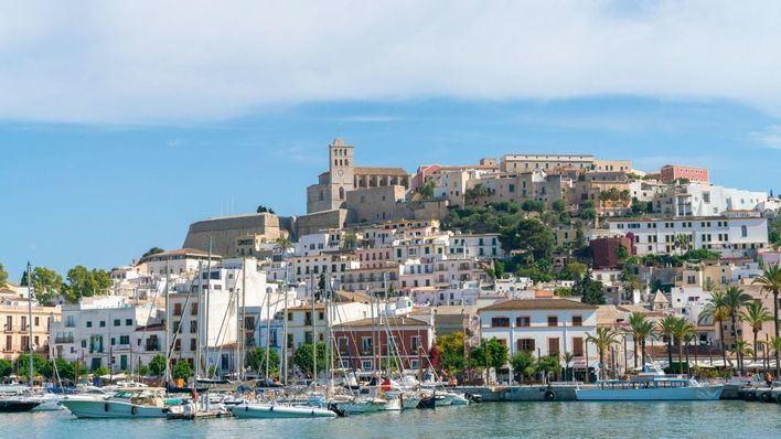 Dos policías fuera de servicio cazan al ladrón de un reloj de oro de 30.000 euros en Ibiza