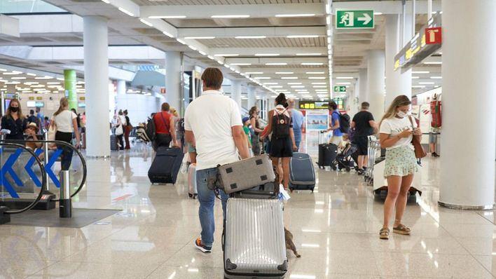 Los aeropuertos de Baleares operan este sábado un total de 874 vuelos