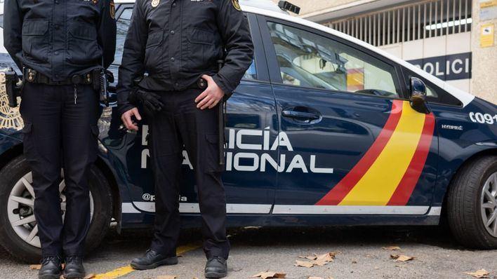 Un intruso se cuela en una vivienda de Ibiza y amenaza con un cuchillo al propietario
