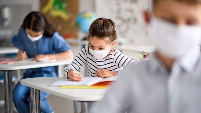 OCU ve difícil cumplir los protocolos anticovid en la escuela