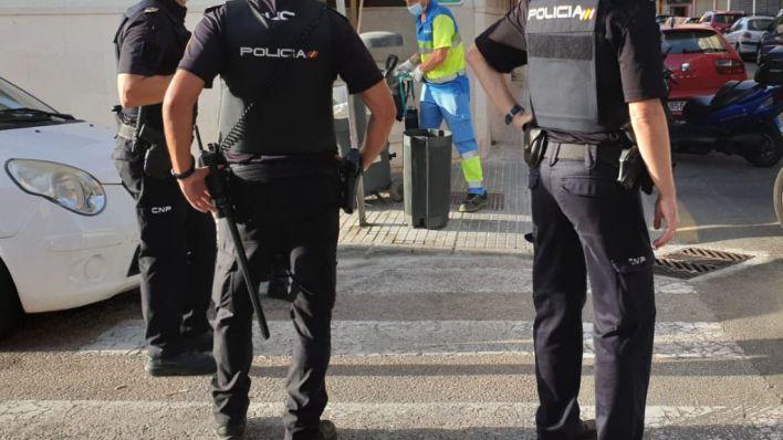 Agreden a un empleado de un restaurante en Palma para exigirle 600 euros de una deuda