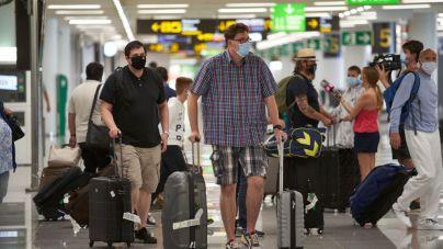 Los aeropuertos baleares operan 2.403 vuelos este fin de semana