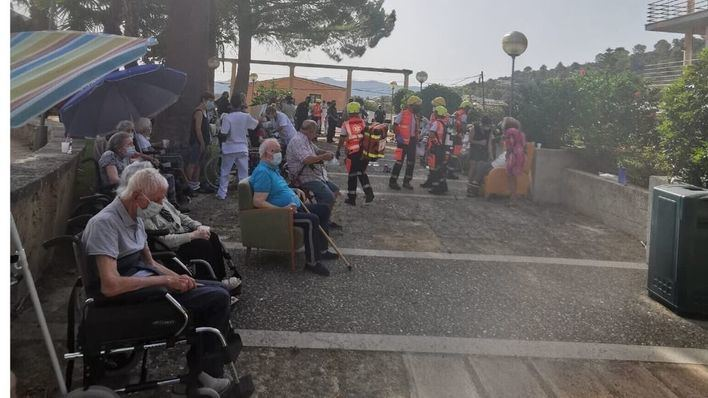 Un incendio obliga a evacuar una residencia de ancianos en Calvià