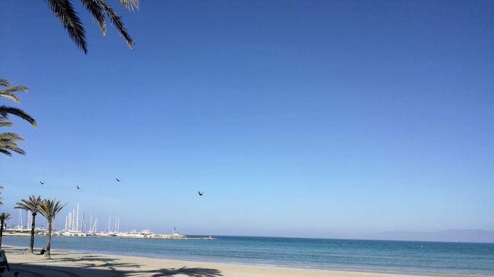 Cielo despejado y temperaturas altas en las Islas