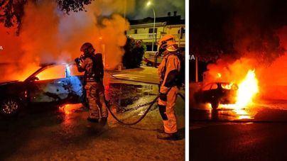 Un incendio calcina un coche en Son Ferriol