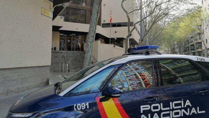 Tres jóvenes asaltan la casa de un anciano en Son Sardina, le golpean en la cabeza con una pistola y le roban la cartera