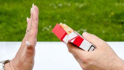 100 euros de multa desde este viernes por fumar en la calle