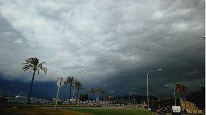 La tormentas provocan decenas de incidentes en Baleares
