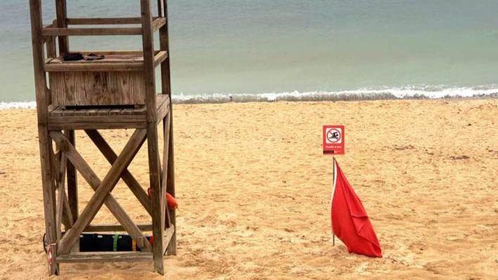Las lluvias provocan el cierre de varias playas de Palma por vertidos