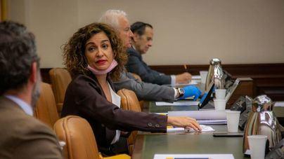 Montero informará este lunes al Congreso del acuerdo sobre el uso de remanentes