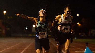 Fernando Carro, Esther Guerrero y Kevin Rodríguez triunfan en Ibiza perse al viento y la lluvia