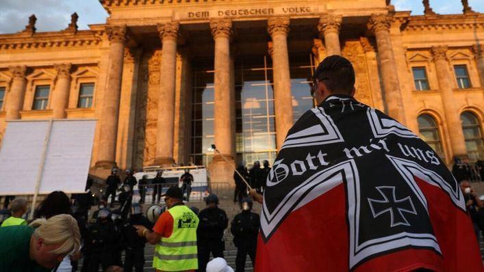 Estupor en Alemania por el amago de asalto al Reichstag de unos ultraderechistas