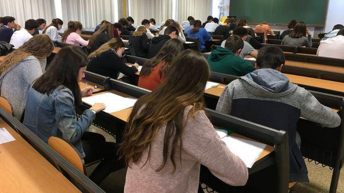 Castells se reúne esta semana con rectores y CCAA para analizar el curso universitario