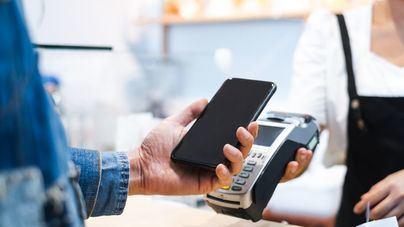 CaixaBank aumenta un 58 por ciento el número de clientes que pagan con el móvil