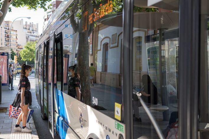 La EMT crea dos nuevas líneas para llegar al IES sa Ribera y al IES Júniper Serra