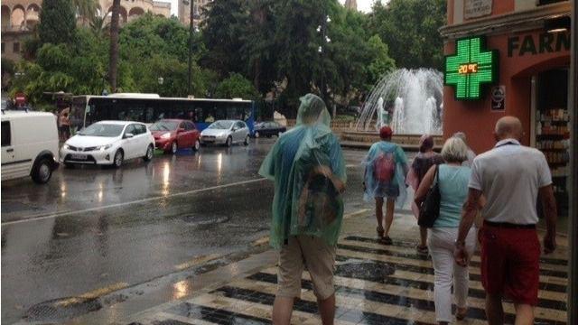 La Aemet pronostica fuertes lluvias ante la llegada de una gota fría este lunes
