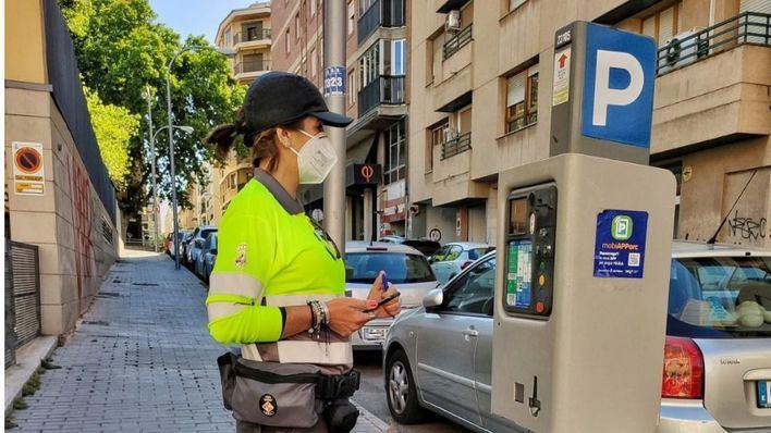 Los trabajadores mantienen la huelga prevista en el servicio de la ORA en Palma