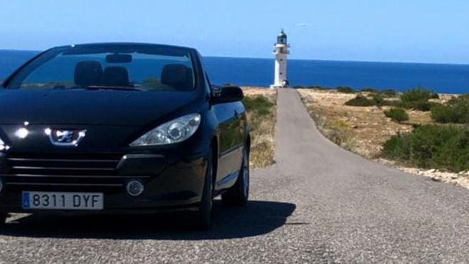 Formentera registra un ocho por ciento menos de coches en el verano del Covid