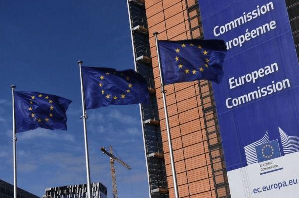 Bruselas da al Reino Unido un plazo hasta final de mes para que cumpla el acuerdo del Brexit