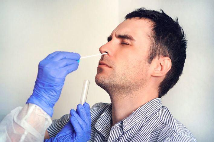El 52,2 por ciento de encuestados cree que el tratamiento contra el coronavirus precederá a la vacuna