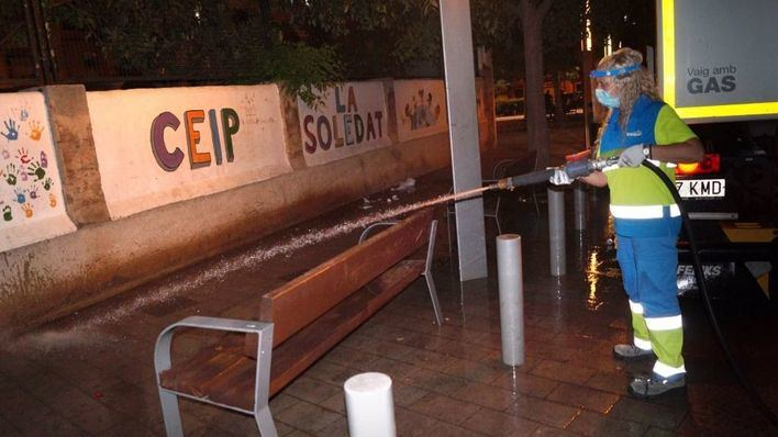 Cort refuerza la limpieza y los efectivos policiales en los barrios que quedarán confinados