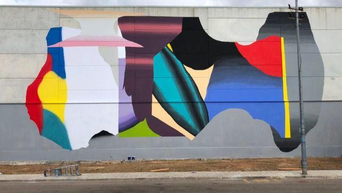 El artista Grip Face realiza un mural en el colegio Blanquerna de es Pont d'Inca