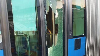 Lunas rotas y 18 autobuses retirados marcan el tercer día de huelga en la EMT de Palma